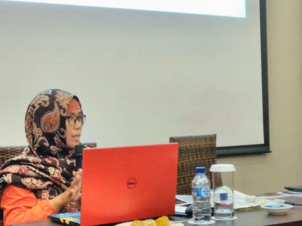 membangun sistem yang lebih baik prodi ekonomi pembangunan adakan workshop dan peninjauan akademik