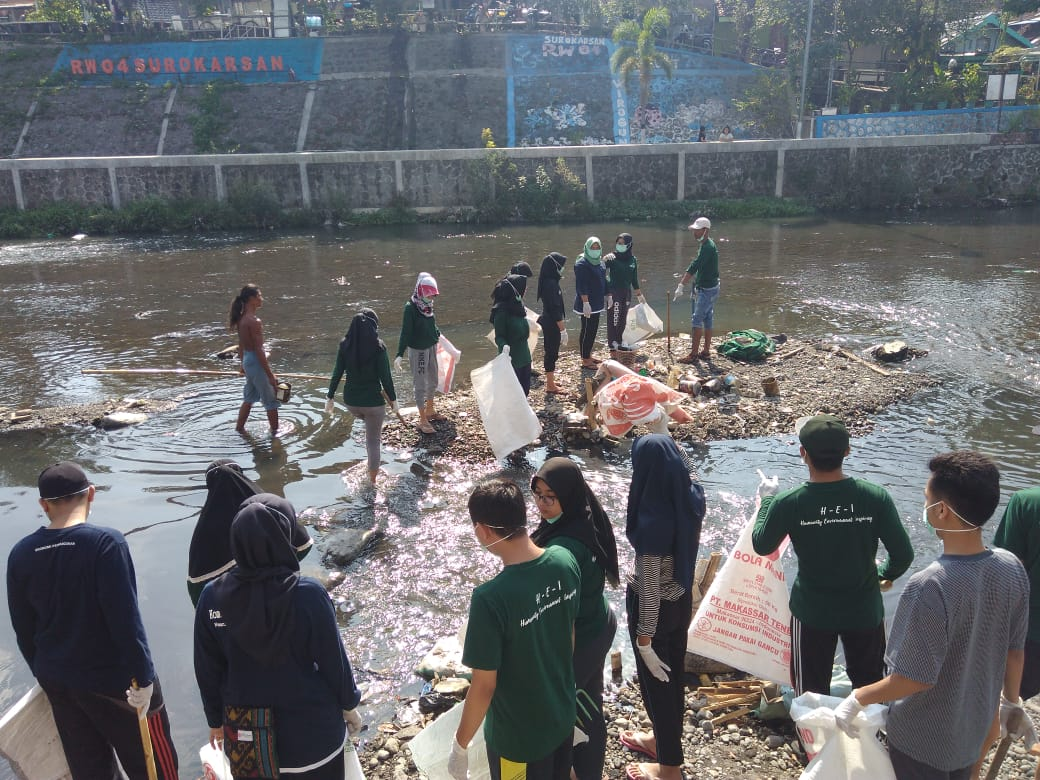 Bersih Sungai Komunitas Satu Jiwa